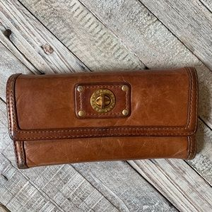 MARC by Marc Jacobs Totally TurnLock Wallet Cognac